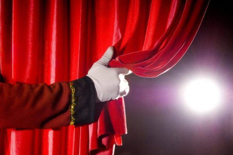 Tutti a Teatro !